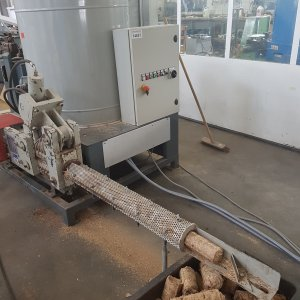 brykieciarka-hydrauliczna-nazzareno